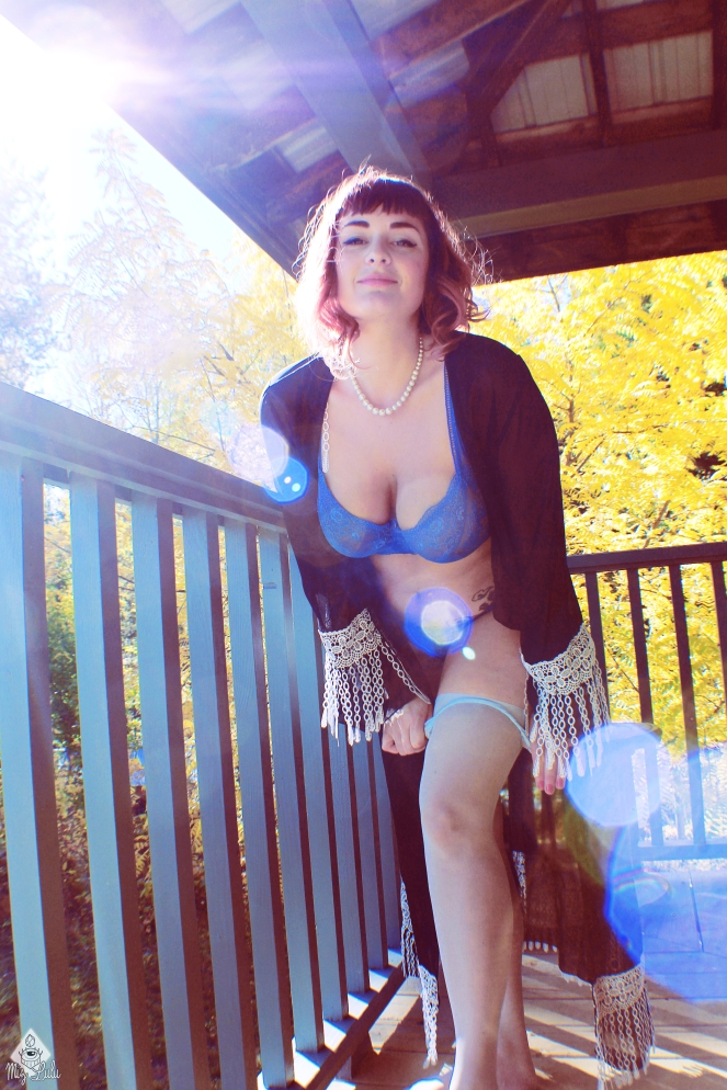 leona_blue_032
